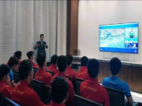 Tuyển Việt Nam được khuyên gì về VAR
