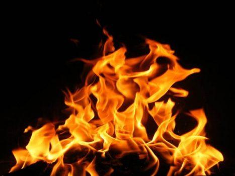Chiêm bao mơ thấy lửa có điềm lành hay xấu? Đánh con số gì?