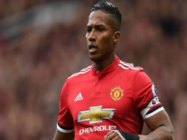 Pogba sẽ tiếp quản băng thủ quân sau khi Valencia