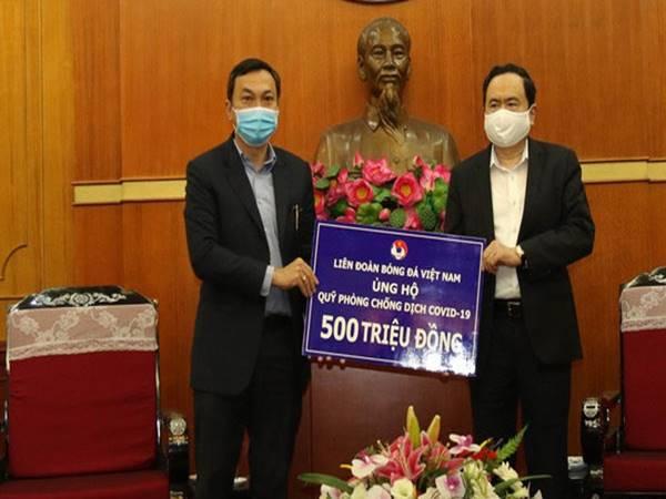 Liên đoàn bóng đá Việt Nam chung tay chống đại dịch COVID-19