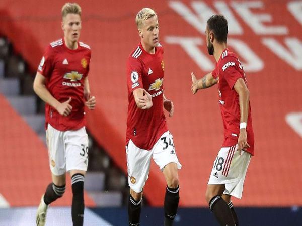Bóng đá Anh 2/10: Man Utd sẽ bị đá bay khỏi Top 4