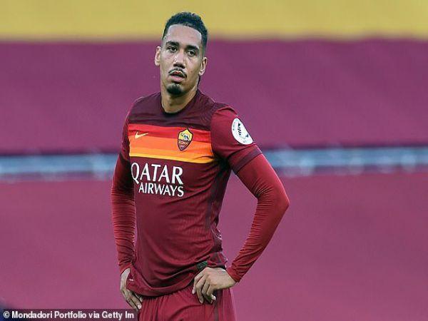 Bóng đá Anh 5/10: M.U chấp nhận giá 15 triệu euro cho Smalling