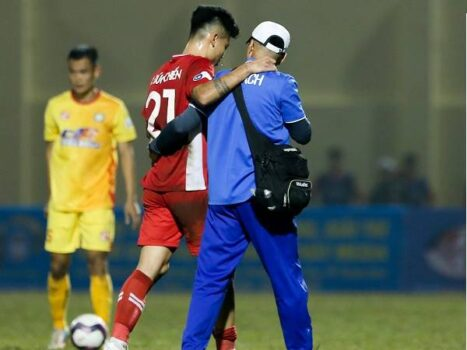Bóng đá Việt Nam sáng 7/2: Tuyển thủ ĐT Việt Nam nỗ lực xuyên Tết