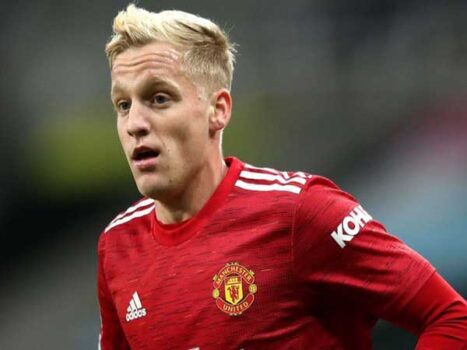 Tin bóng đá Anh 17/3 : Van De Beek muốn rời Man Utd